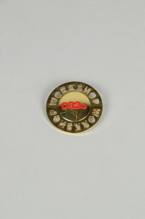 032c WWB  Brooch BRASS / RED