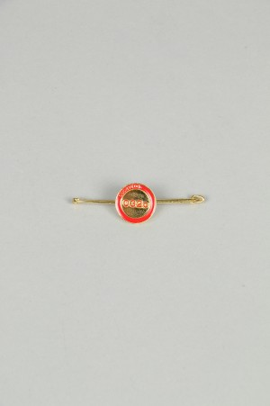 032c WWB  Needle Pin BRASS / RED
