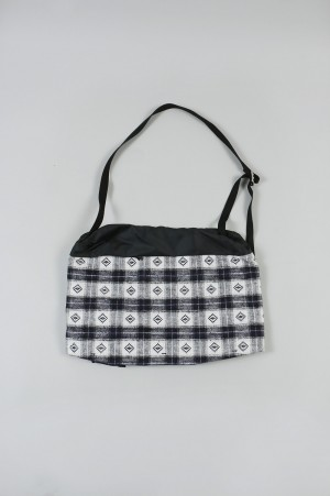YSTRDY'S TMRRW GUESS CHECK SHOULDER BAG - NAVY (YT-BG0302)